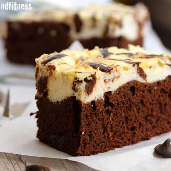 Cheesecake Swirl Protein Cake